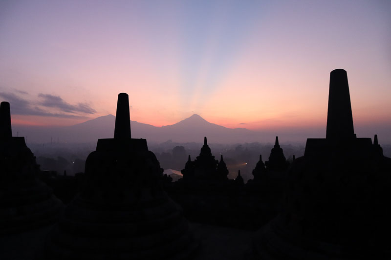 Lever de soleil Borobudur