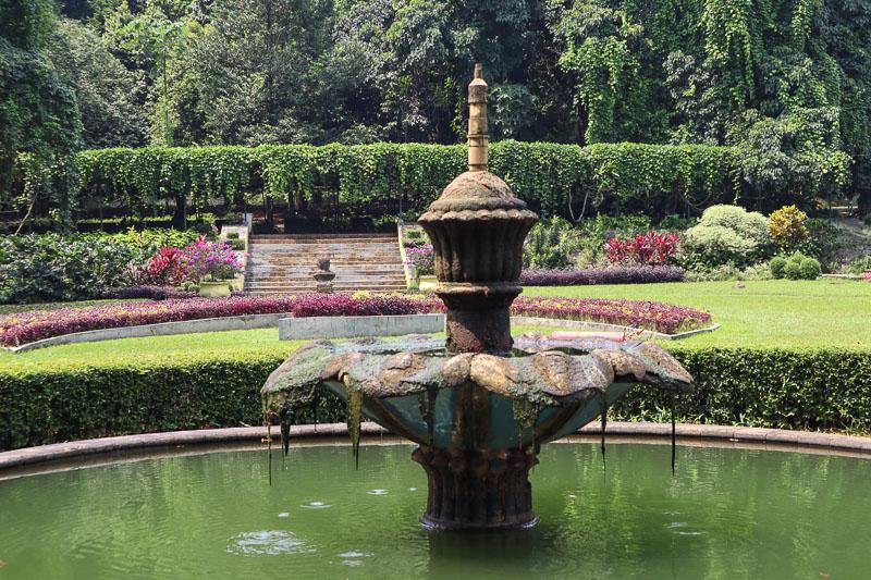 Fontaine du jardin botanique de Bogor