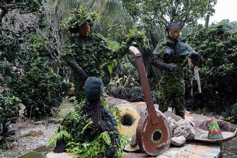 Statue jardin botanique de Bogor