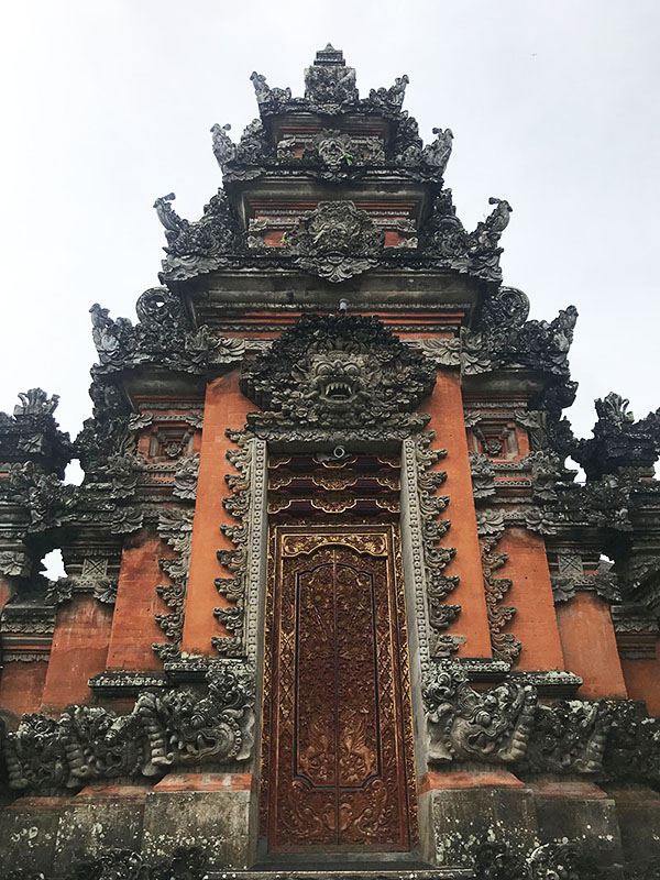 porte temple saraswati
