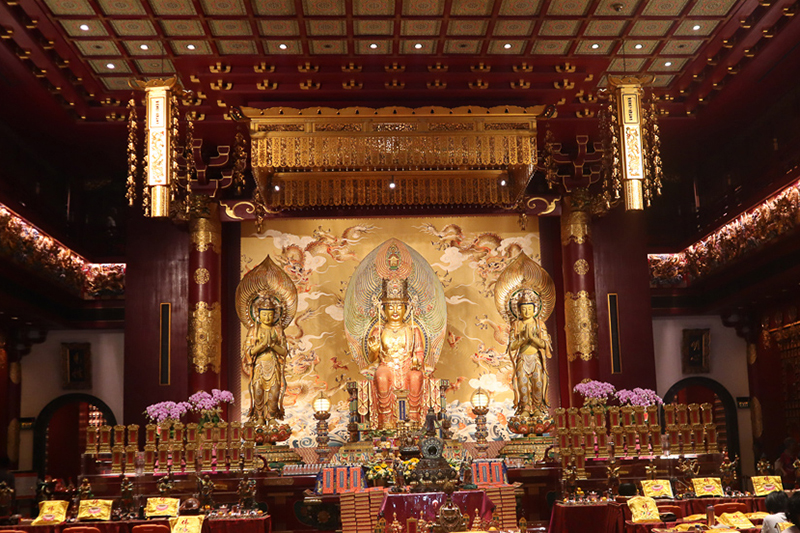 Intérieur Buddha Tooth Relic Temple